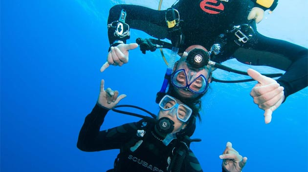 Divers on a scuba diving trip