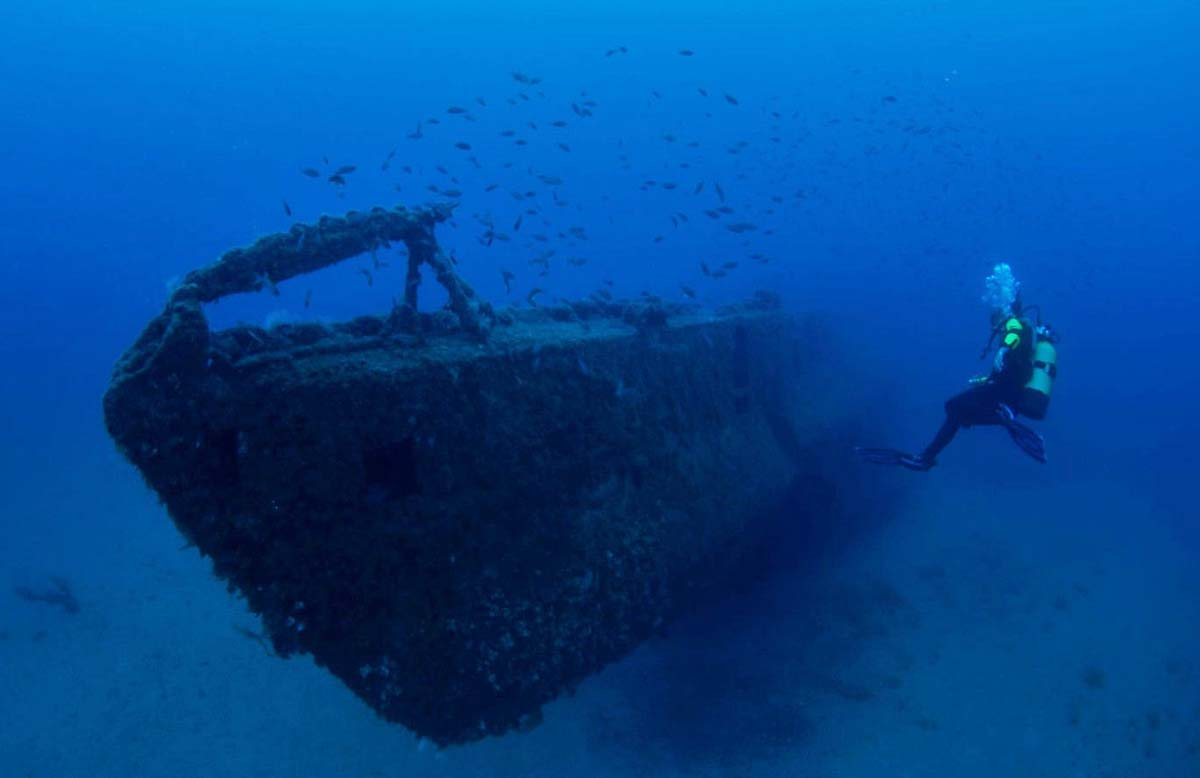The Yongala Wreck Dive, Australia