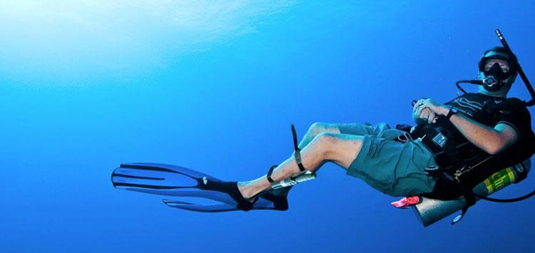 Scuba Dive Knife of Leg