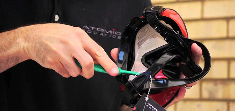 How to Prep a Dive Mask