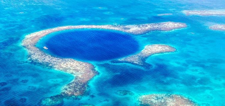 Scuba Diving The Great Blue Hole Belize