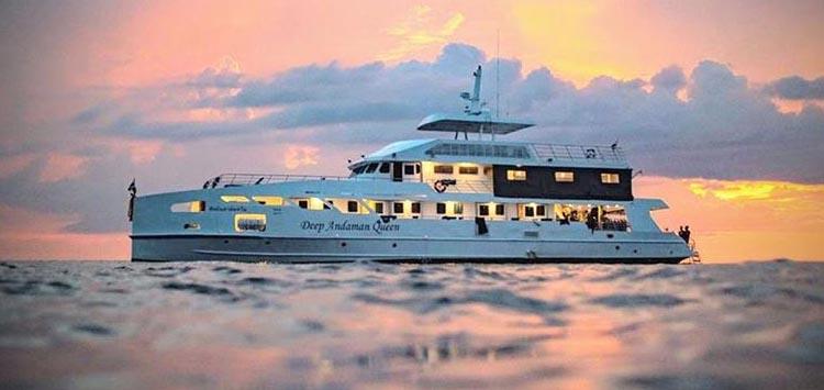 Deep Andaman Queen, Thailand Simalian Island Liveaboard