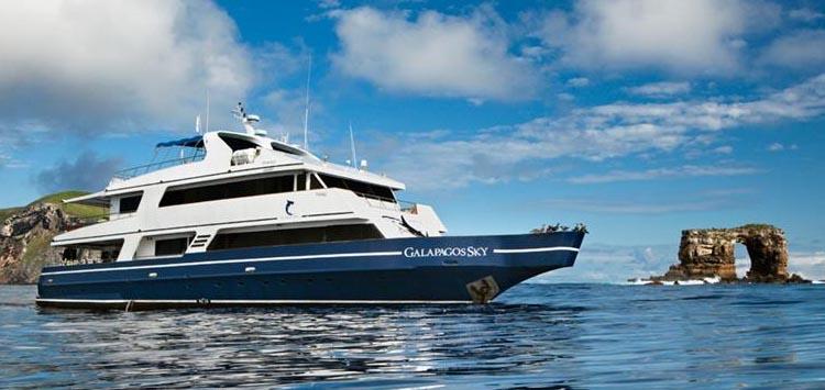 Galapagos Sky, Galapagos Liveaboard Trips