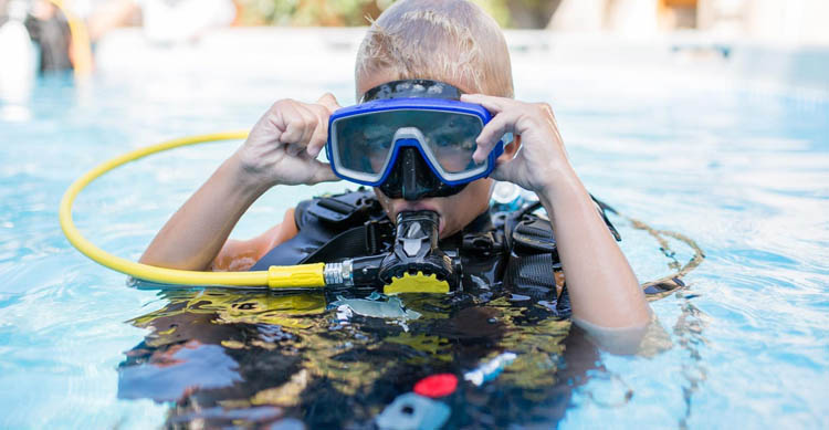 How Old Do You Have to Be to Scuba Dive? | Getting Started ...